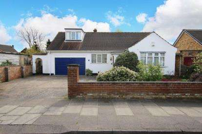 4 Bedrooms Bungalow for sale in Ennerdale Road, Doncaster