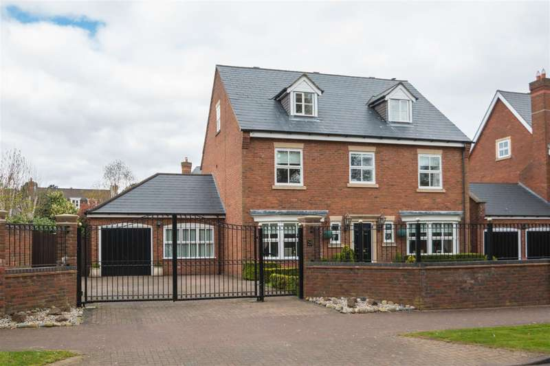 5 Bedrooms Property for sale in Astor Drive, GRAPPENHALL HEYS,Warrington, WA4