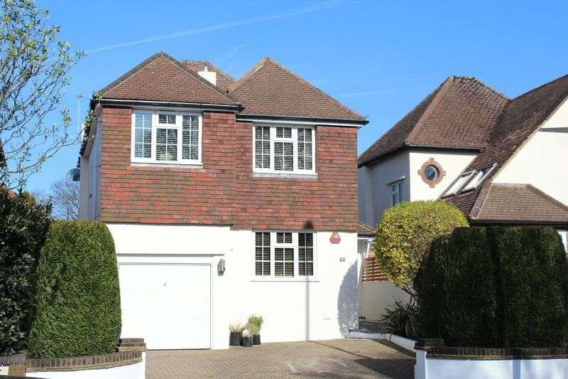 4 Bedrooms Detached House for sale in Addington Road, Sanderstead, Surrey