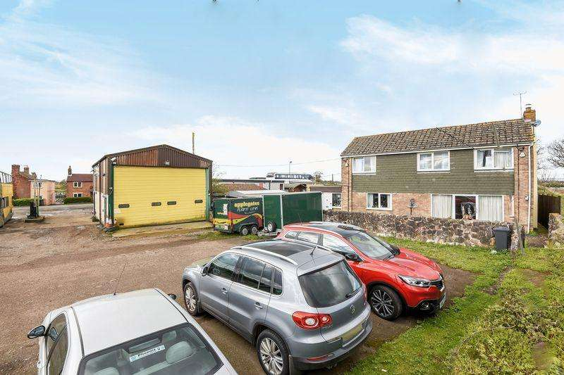 3 Bedrooms Detached House for sale in Heathfield, Berkeley
