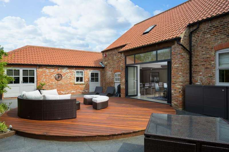 5 Bedrooms Barn Conversion Character Property for sale in Ivy House Farm Clay Lane, Breighton, York