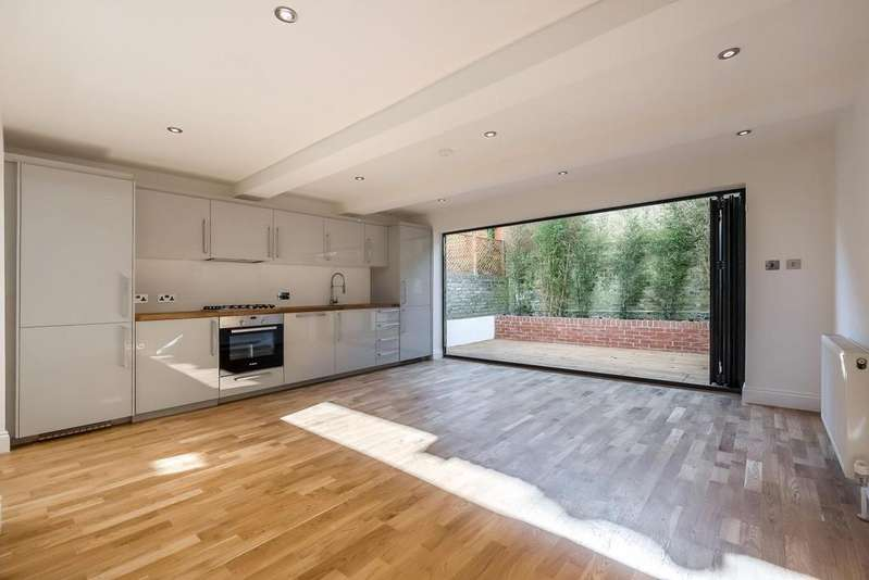 2 Bedrooms House for sale in LATCHMERE ROAD, SW11