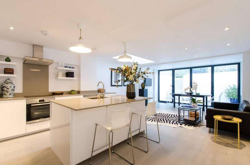 2 Bedrooms Maisonette Flat for sale in Ifield Road, Chelsea SW10