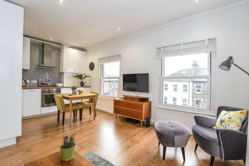 1 Bedroom Apartment Flat for sale in Stroud Green Road N4 3ER