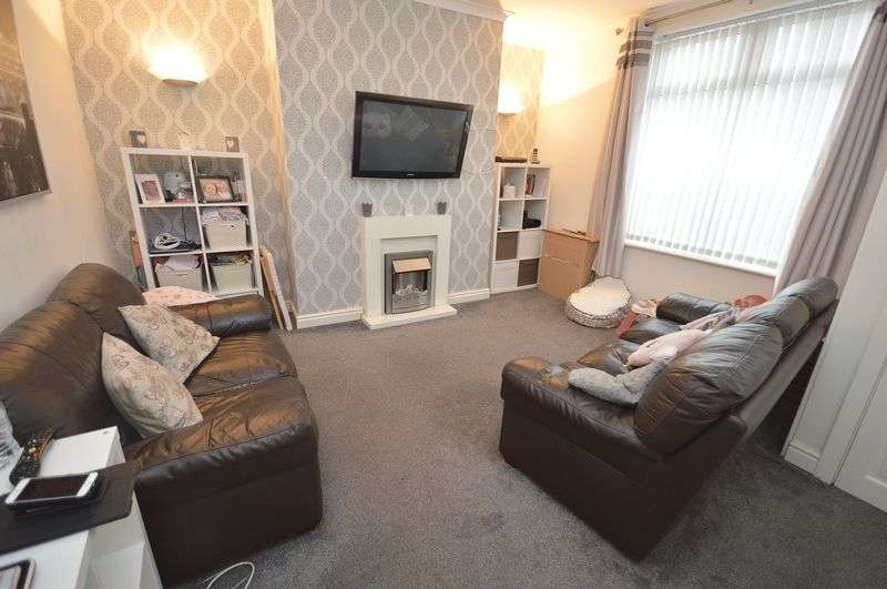 3 Bedrooms Terraced House for sale in Hale Road, Widnes