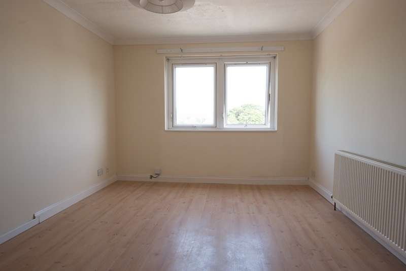 3 Bedrooms Flat for sale in Station Road, Renfrew, Renfrewshire, PA4