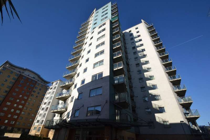 1 Bedroom Flat for sale in Axon Place, Ilford, Essex, IG1