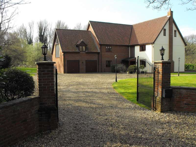 6 Bedrooms Detached House for sale in Mill Lane, Snetterton, Norfolk, NR16