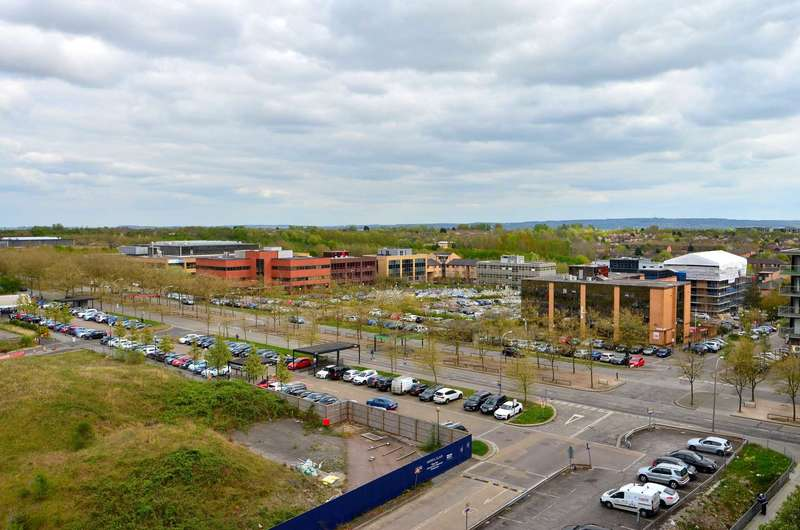 2 Bedrooms Flat for sale in The Hub, Central Milton Keynes