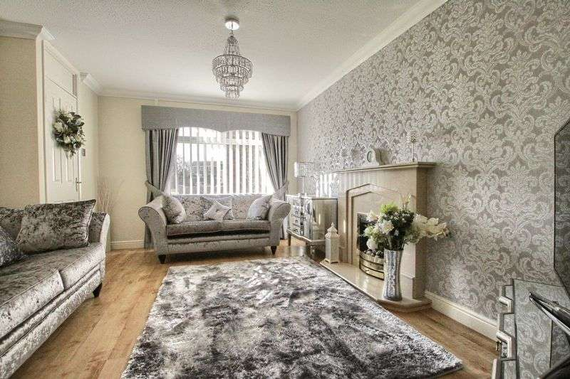 3 Bedrooms Detached House for sale in Hollowfield, Coulby Newham