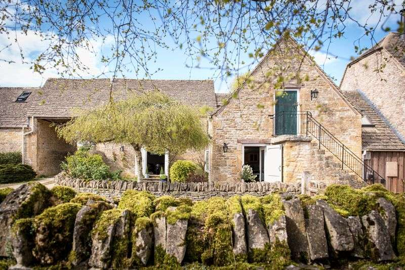 4 Bedrooms Cottage House for sale in Rectory Barn, Broadwell