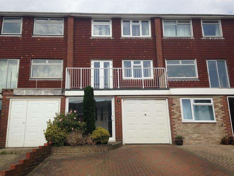 3 Bedrooms Town House for rent in Madehurst Close, Brighton