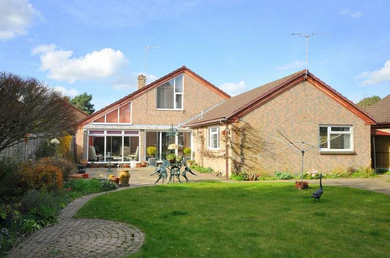 4 Bedrooms House for sale in Heath Road, St Leonards, Ringwood, BH24 2PZ