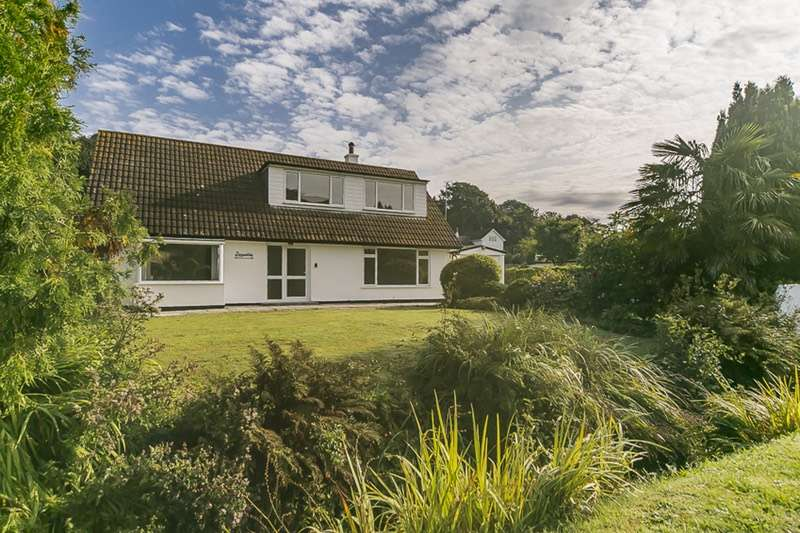 4 Bedrooms Bungalow for sale in Riverside, Angarrack, Cornwall, TR27