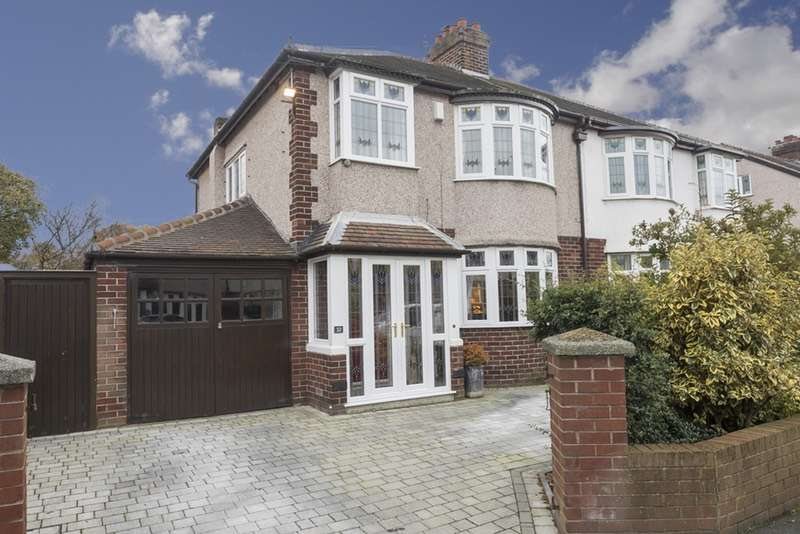 3 Bedrooms Semi Detached House for sale in Brendale avenue, Maghull, Merseyside, L31