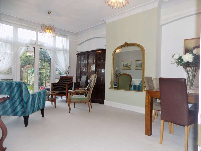 2 Bedrooms Maisonette Flat for sale in Stanhope Avenue, London, London, N3