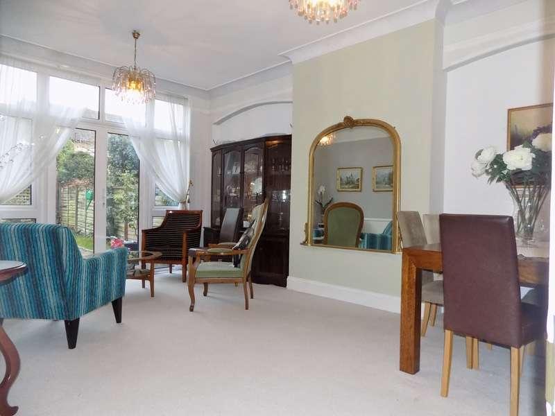 2 Bedrooms Maisonette Flat for sale in Stanhope Avenue, London, London, N3