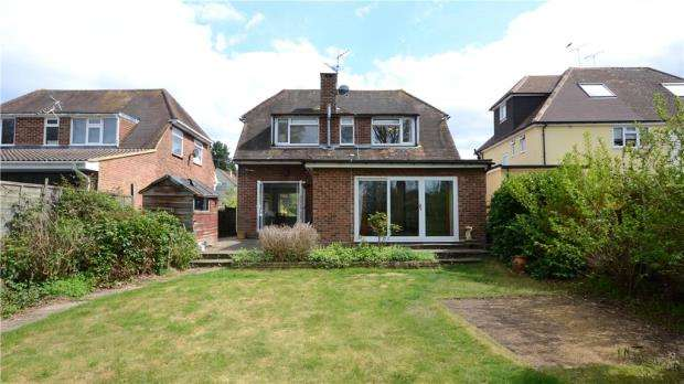 3 Bedrooms Detached House for sale in Branksome Hill Road, College Town, Sandhurst