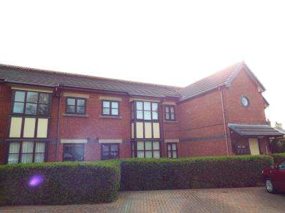 1 Bedroom Flat for sale in Lowes Court, Lowesway, Thornton-Cleveleys, FY5