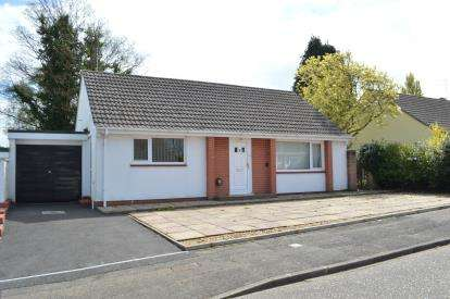 2 Bedrooms Bungalow for sale in Bournemouth, Dorset