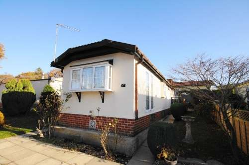2 Bedrooms Park Home Mobile For Sale In Doveshill Bournemouth