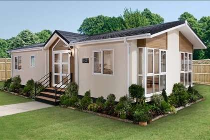 2 Bedrooms Bungalow for sale in Holton Heath Park, Poole