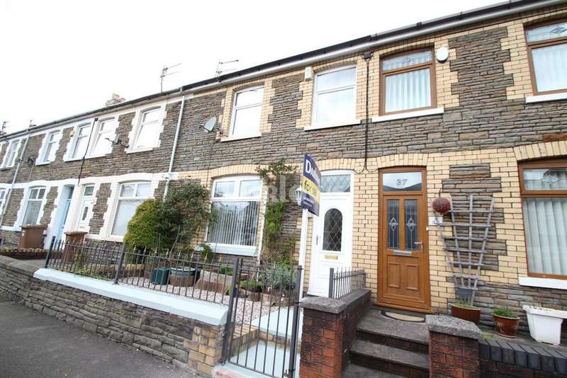 3 Bedrooms Terraced House for sale in Garden Street, Llanbradach
