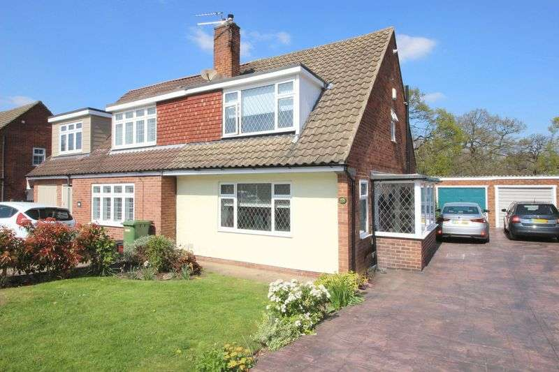 3 Bedrooms Semi Detached House for sale in Appledore Crescent, Sidcup