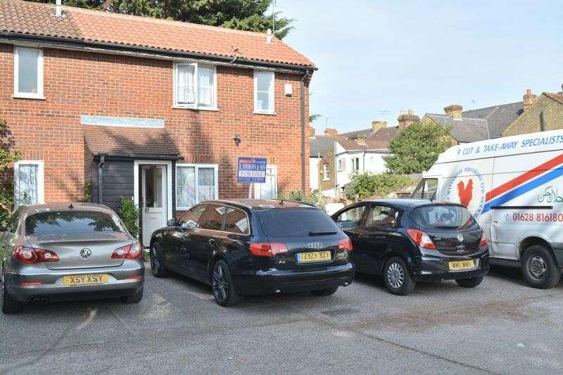 1 Bedroom House for sale in Carisbrooke Court, Belgrave Road, Slough