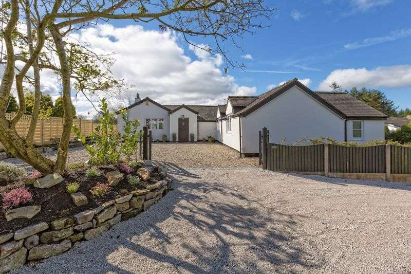 3 Bedrooms Detached Bungalow for sale in Wesley Road, Bwlchgwyn
