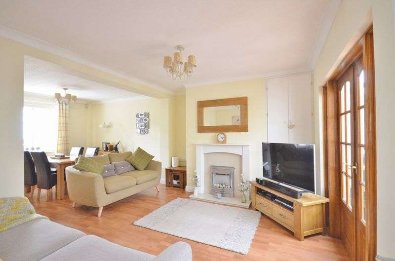 3 Bedrooms Semi Detached House for sale in Central Road, Whitehaven