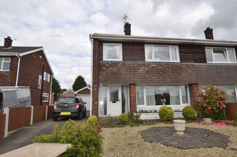 3 Bedrooms Semi Detached House for sale in High Leys Road, Scunthorpe