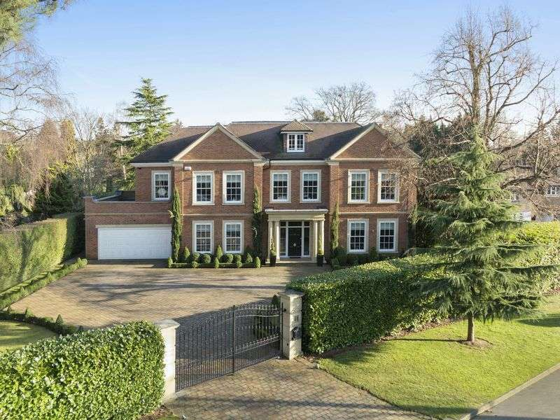 6 Bedrooms Detached House for sale in Broad Highway, Cobham
