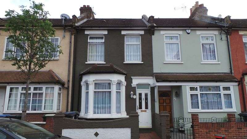 3 Bedrooms Terraced House for sale in Raynham Terrace, Edmonton, N18