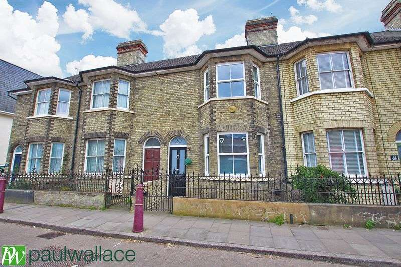 3 Bedrooms Terraced House for sale in High Street, Stanstead Abbotts