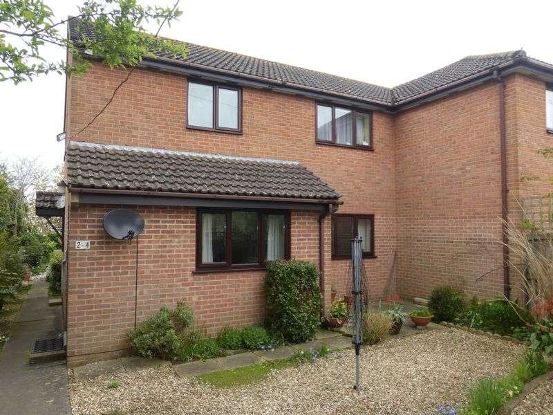 2 Bedrooms Flat for sale in West Coker Road, Yeovil