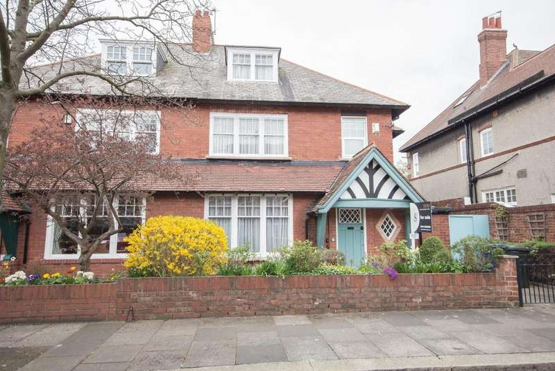5 Bedrooms Semi Detached House for sale in 14 Westfield Avenue, Gosforth, Newcastle upon Tyne NE3