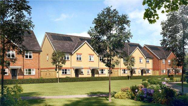 2 Bedrooms End Of Terrace House for sale in Holywell Way, Stanwell, Staines-upon-Thames