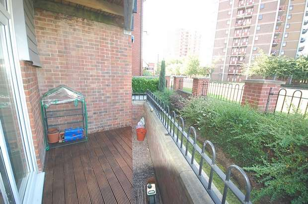 2 Bedrooms Flat for sale in Bold Street, Hulme, Manchester