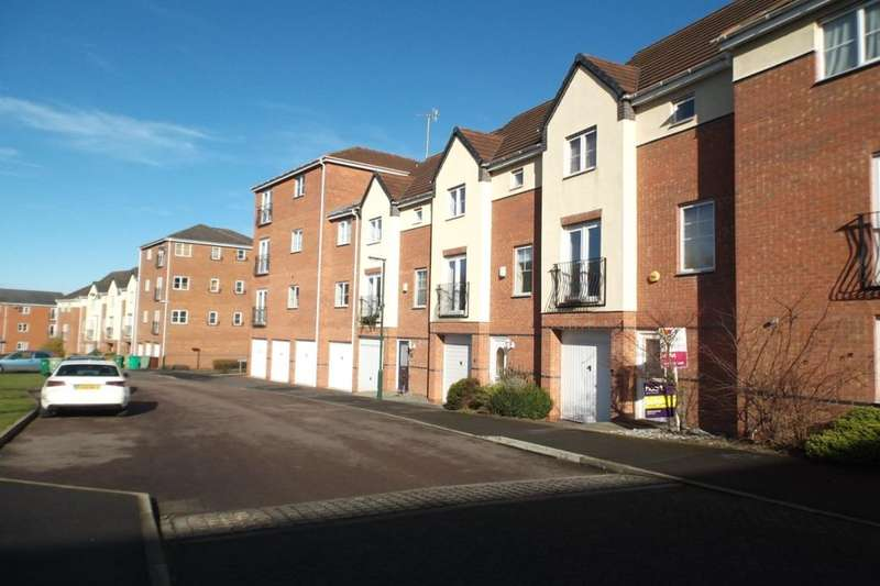 3 Bedrooms Semi Detached House for rent in Plantin Road, Nottingham, NG5