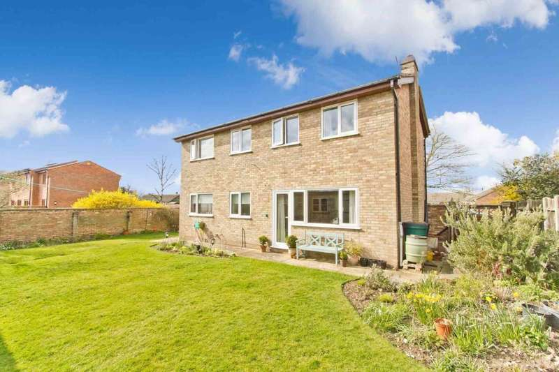 4 Bedrooms Detached House for sale in Pound Green Lane, Shipdham