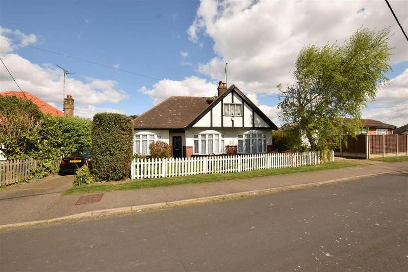 4 Bedrooms Detached Bungalow for sale in Larup Avenue, Canvey Island