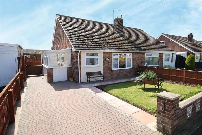 2 Bedrooms Semi Detached Bungalow for sale in 7 Links Avenue, Mablethorpe