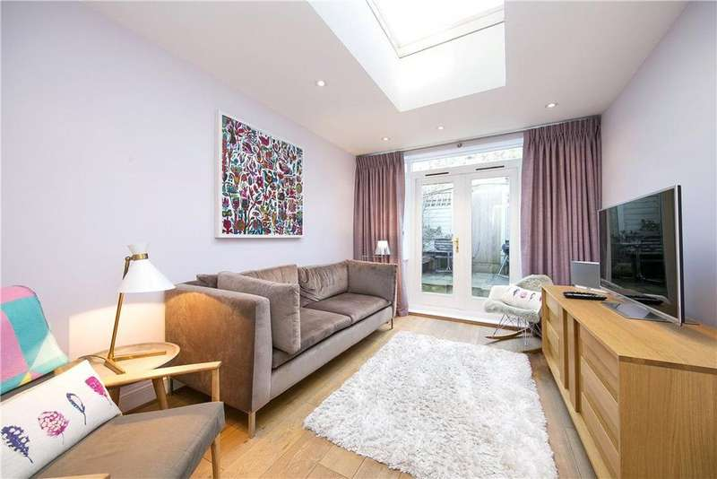 3 Bedrooms Terraced House for sale in Hyde Road, Richmond, TW10