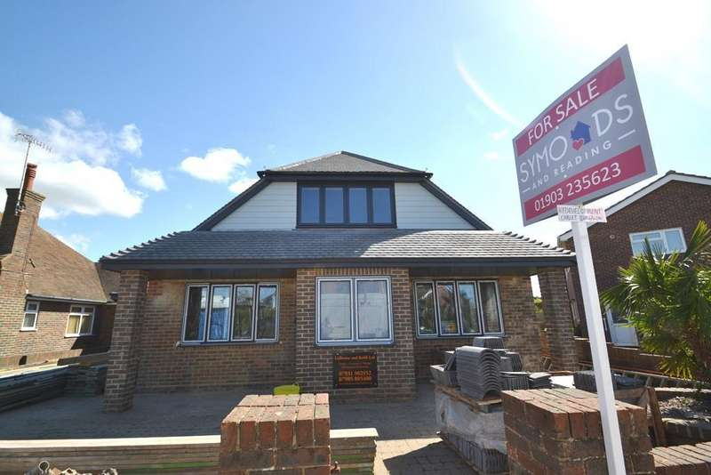 3 Bedrooms Chalet House for sale in Patricia Avenue, Goring By Sea, West Sussex, BN12 4NE