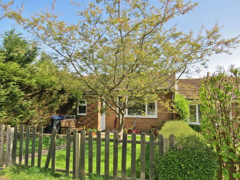 3 Bedrooms Bungalow for sale in Spaines, Great Bedwyn