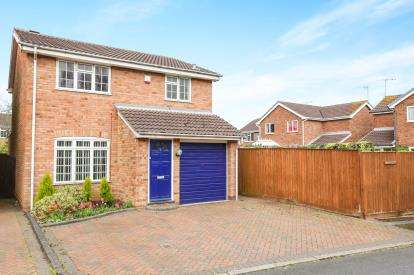 3 Bedrooms Detached House for sale in Kerridge Close, Pendeford, Wolverhampton, West Midlands