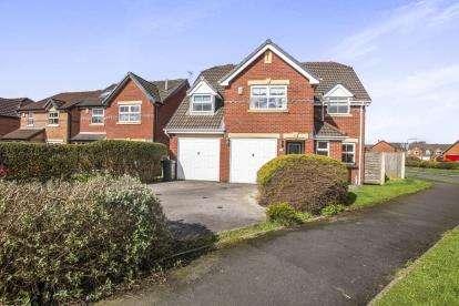 4 Bedrooms Detached House for sale in Azalea Close, Leyland, ., PR25