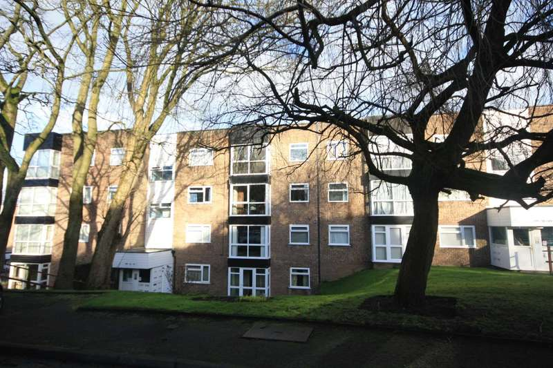 2 Bedrooms Flat for sale in Brentwood Court, Prestwich