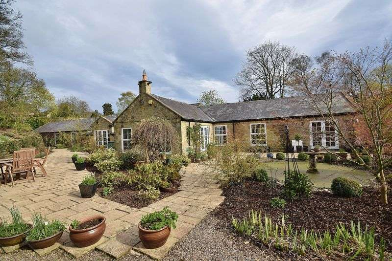 5 Bedrooms Detached House for sale in Newton Hall, Newton
